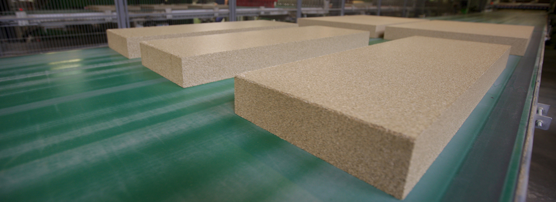 Efficient production of vermiculite insulation boards from Skamol